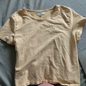 white and yellow american eagle crop t shirt